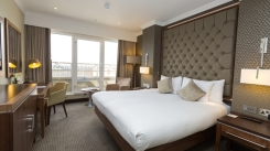 Executive Guest Rooms: Spoil yourself in a stylish Executive Room, located on a private executive floor with views over the London skyline. The VIP treatment starts here with high headboards, bespoke handmake British furniture and luxury amenities, as well as complimentary chocolates, water and magazines.